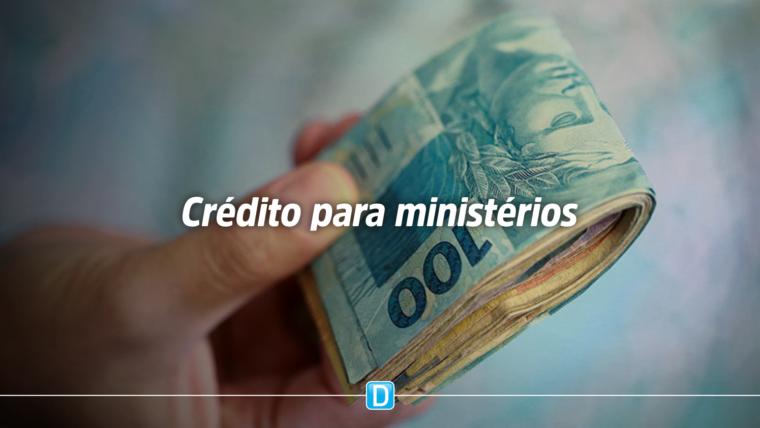 Bolsonaro sanciona crédito de R$ 3 bi para ministérios por votos na Previdência