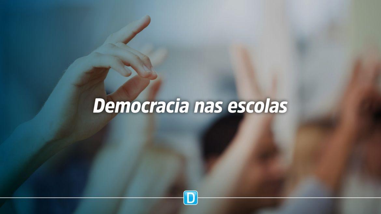 Educadores e estudantes apontam falta de democracia nas escolas