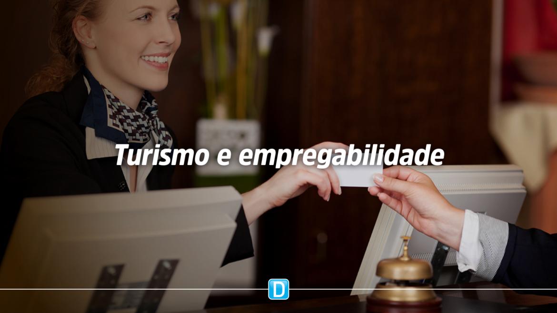 Empregos no turismo avançam quase 330% em 12 meses