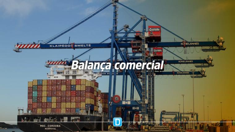 Balança comercial registra superávit de US$ 3 bi em fevereiro